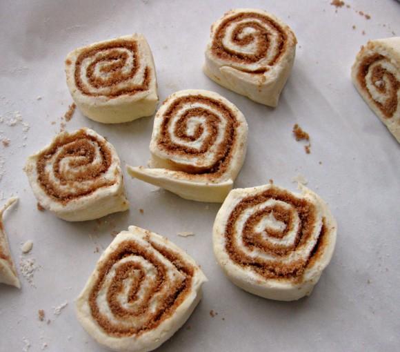 cinnamon roll squares