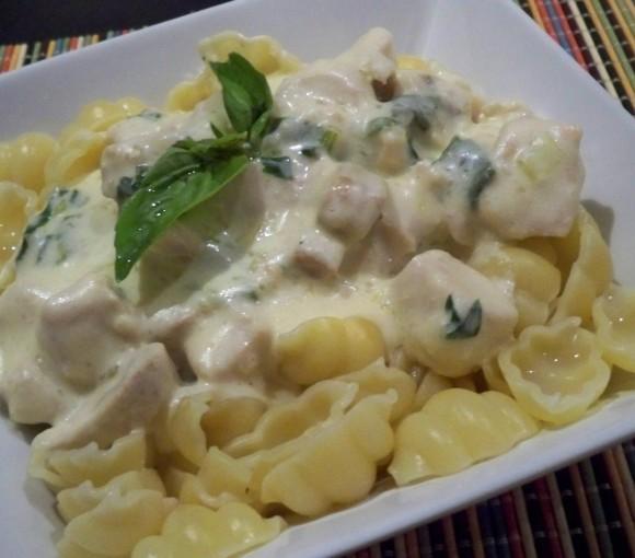 creamy herbd pasta